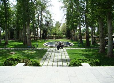 محوطه باغ ارم