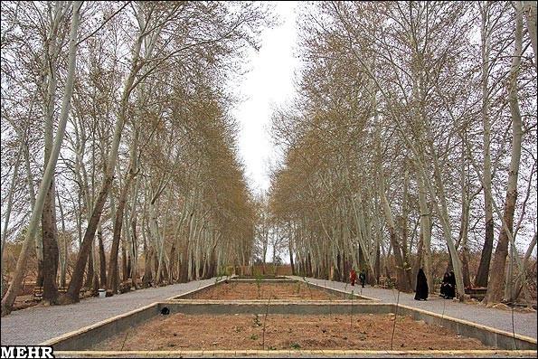 تقارن در درباغ ایرانی