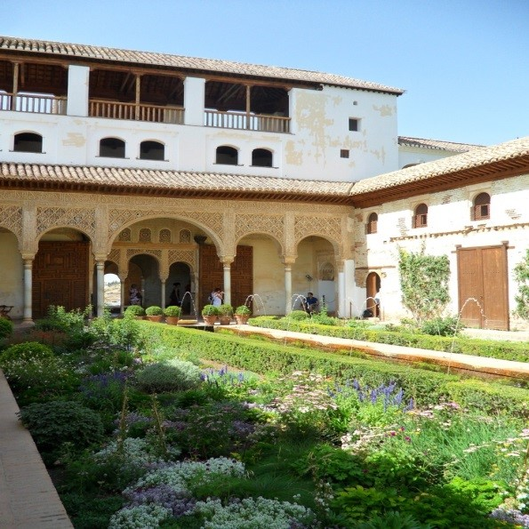 باغهای زیبای آندلسی (کاخ الحمرا)